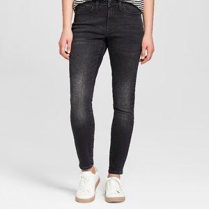 NWOT Universal Thread High Rise Dark Jeans